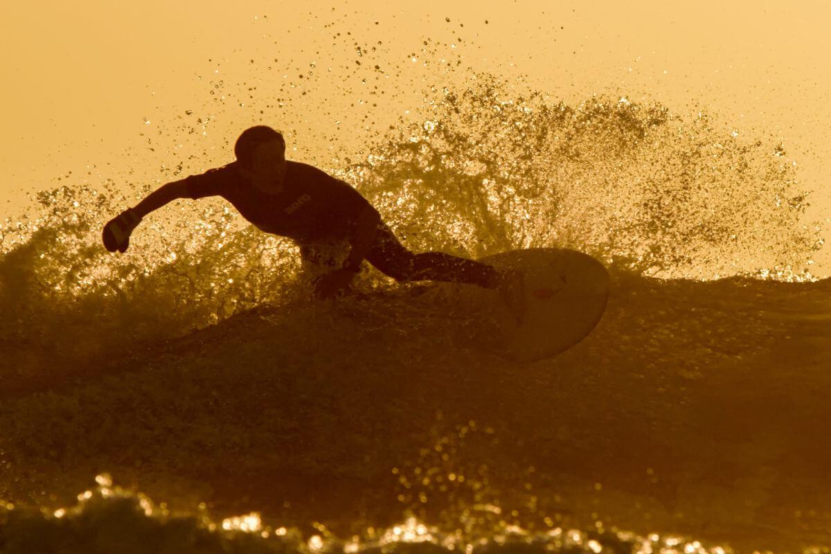日向市のサーフィンのメインポイントお倉ヶ浜